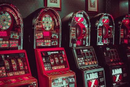 Slot game machine