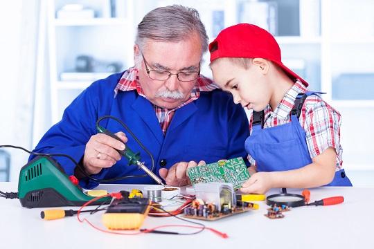 Experience Mentor Guiding Electronic